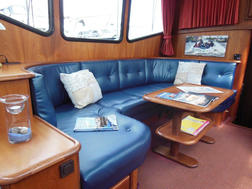 Lady Dor Sitzgruppe Mittelschiff