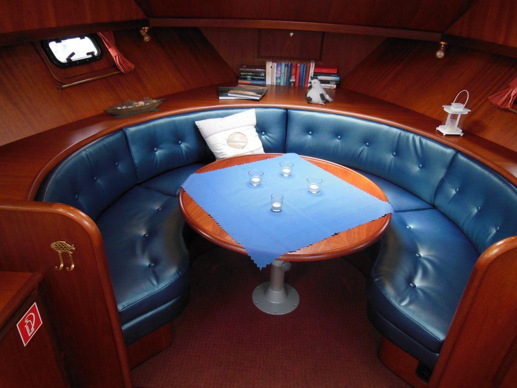 Lady Dor Sitzgruppe Vorschiff